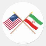 Los E.E.U.U. y banderas cruzadas Irán Etiquetas Redondas