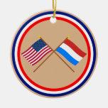 Los E.E.U.U. y banderas cruzadas Luxemburgo Adornos