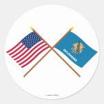 Los E.E.U.U. y banderas cruzadas Oklahoma Pegatina Redonda