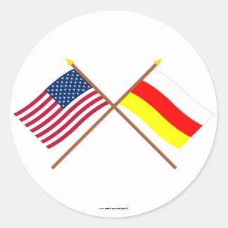 Los E.E.U.U. y banderas cruzadas Osetia del Sur Pegatina Redonda