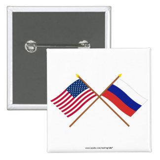 Los E.E.U.U. y banderas cruzadas Rusia Pin Cuadrado