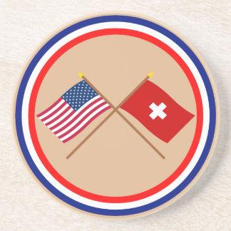 Los E E U U y banderas cruzadas Suiza Posavasos Personalizados