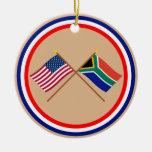 Los E.E.U.U. y banderas cruzadas Suráfrica Adornos De Navidad