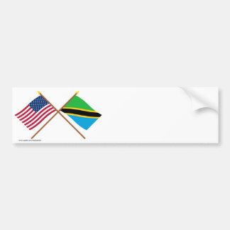 Los E.E.U.U. y banderas cruzadas Tanzania Pegatina De Parachoque