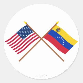 Los E.E.U.U. y banderas cruzadas Venezuela Pegatina Redonda