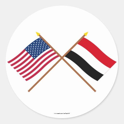 Los E.E.U.U. y banderas cruzadas Yemen Etiquetas Redondas
