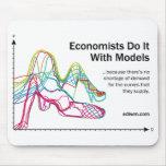 Los economistas lo hacen con el cojín de ratón de  tapete de ratón
