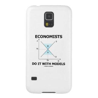 Los economistas lo hacen con los modelos (la curva funda para galaxy s5