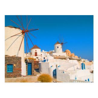 Los edificios blancos y los molinoes de viento en postales