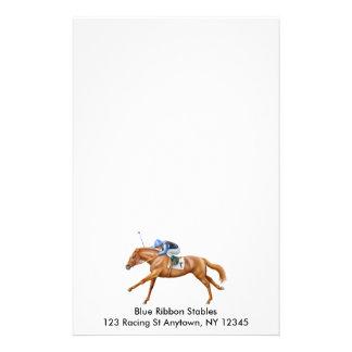 Los efectos de escritorio del caballo de raza que  papeleria de diseño