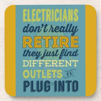 Los electricistas no hacen realmente Retirar-Humor Posavasos De Bebidas