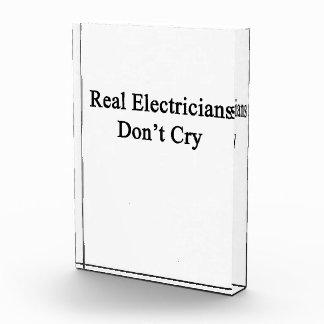 Los electricistas reales no lloran