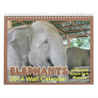 Los elefantes 2014 hacen calendarios (de parque de