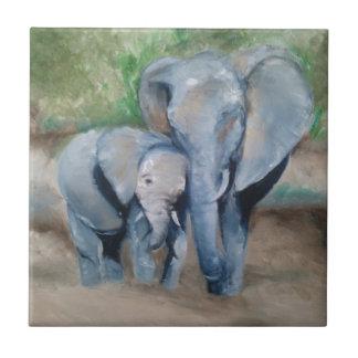 Los elefantes miman y bebé azulejo cuadrado pequeño