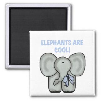 Los elefantes son camisetas y regalos frescos imán de frigorífico