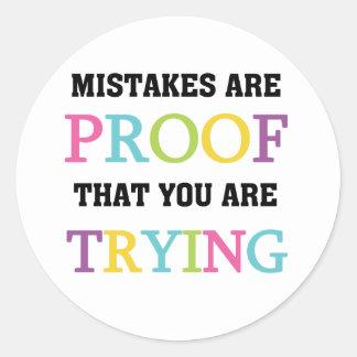 Los errores son prueba que usted está intentando pegatina redonda
