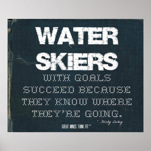 Los esquiadores del agua con metas tienen éxito en poster