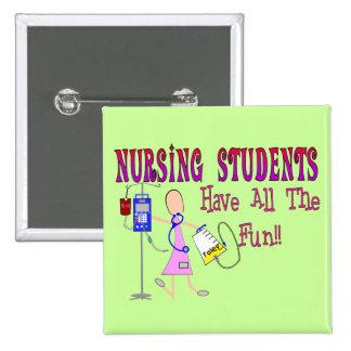 Los estudiantes del oficio de enfermera se diviert pin