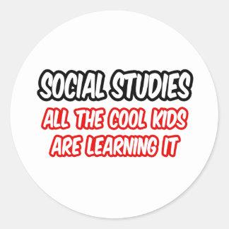 Los estudios sociales… todos los niños frescos lo pegatina redonda