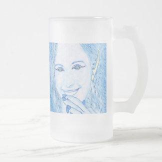 Los Faeries azules son taza mágica del vidrio de