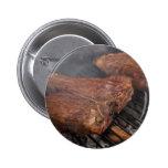 Los filetes que asan a la parrilla la barbacoa asa pin