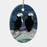 Los frailecillos de Alaska emplumaron pájaros Adorno Navideño Ovalado De Cerámica