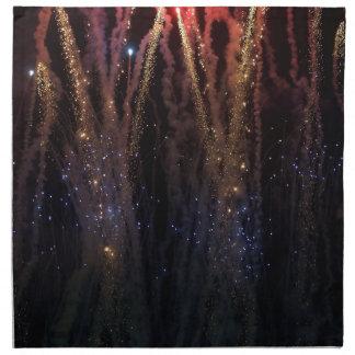 Los fuegos artificiales encienden el cuarto del ci servilletas