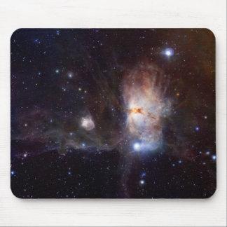 Los fuegos ocultados de la nebulosa de la llama mouse pads