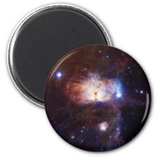 Los fuegos ocultados de la nebulosa NGC 2024 de la Imán Redondo 5 Cm