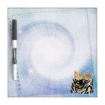 Los gatitos lindos en bolso de la cebra secan al t pizarras