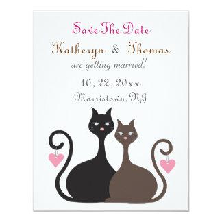 """Los gatos del amor ahorran la tarjeta plana de la invitación 4.25"""" x 5.5"""""""