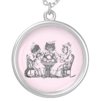Los gatos del cotilleo tienen la fiesta del té colgante personalizado
