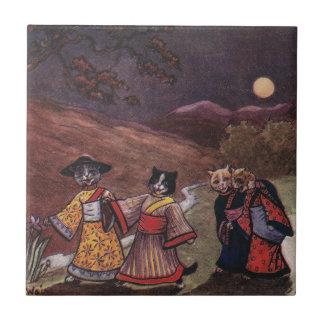 Los gatos en kimonos toman el paseo de última hora azulejos cerámicos