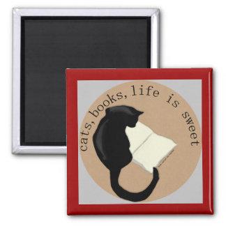 Los gatos, libros, vida son v2 dulces imán cuadrado