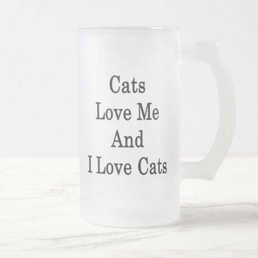 Los gatos me aman y amo gatos taza cristal mate