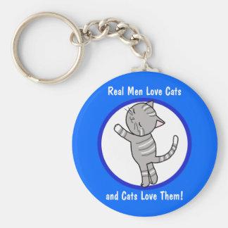 Los gatos reales del amor de los hombres y los gat llaveros