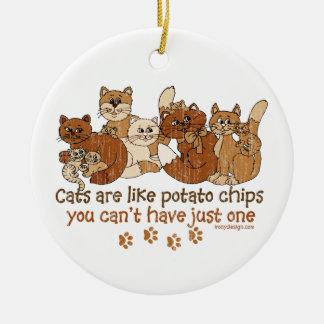 Los gatos son como las patatas fritas ornamentos de reyes magos