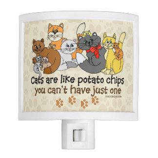 Los gatos son como las patatas fritas luces de noche