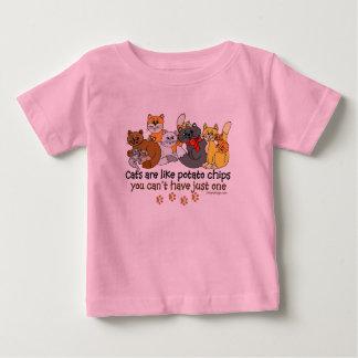 Los gatos son como las patatas fritas t-shirt
