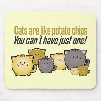 Los gatos son como las patatas fritas… alfombrillas de raton