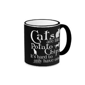 Los gatos son como las patatas fritas… taza de dos colores