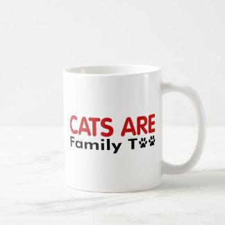 Los gatos son familia también tazas