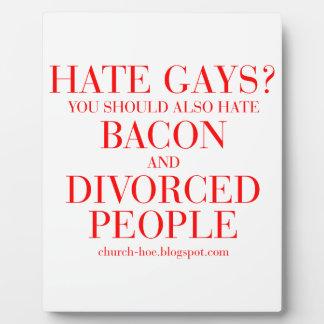Los gays del odio usted debe también odiar el placa de madera
