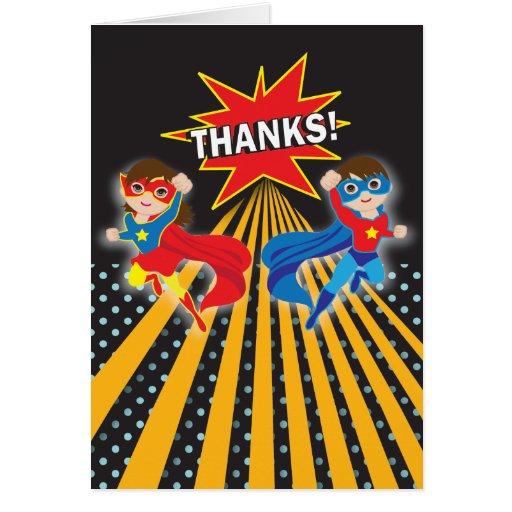 Los gemelos del super héroe el   le agradecen tarjeta pequeña