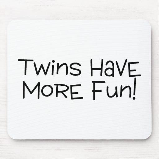 Los gemelos se divierten más mousepads