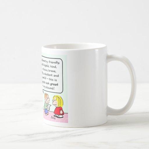 los girls scout del muchacho se unen al gran curri taza de café