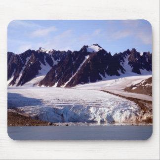 Los glaciares están moviendo hacia atrás tapetes de raton