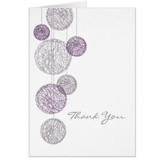 Los globos púrpuras de la guita le agradecen carda tarjeta de felicitación