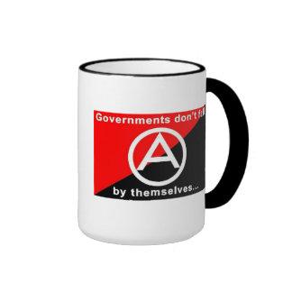 los gobiernos no se caen solo asaltan tazas de café