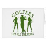 Los golfistas consiguen a todos los chicas tarjetas